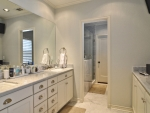 master_bathroom_32